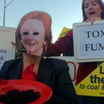 Angry coal seam gas protestors crash Gillard meeting