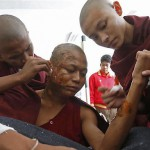 Burma police use incendiary weapons against protestors