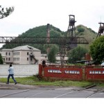 Fighting in Ukraine traps miners underground