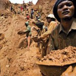 Gold mine collapse kills 17 people