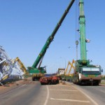 350 tonne equipment still blocks Port Hedland road [images]